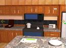 逃出宽敞的厨房