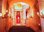 逃出马德里皇家宫殿