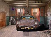 逃离废弃的汽车棚