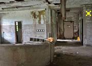 逃出废弃的精神病院