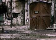 逃离废弃的机械工厂
