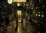 逃离神秘潜艇