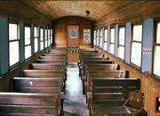 逃离老旧火车-