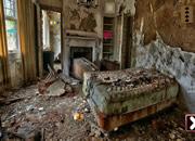 废弃惊奇房间逃离